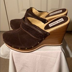 Steve Madden brown suede wedge